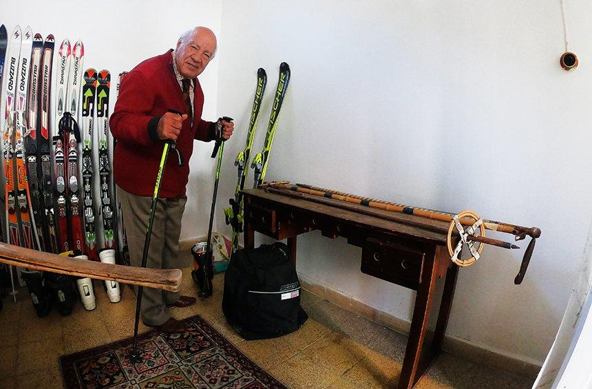 A talk with the 78-year-old man from Limassol, who found the secret to eternal youth in Platres!