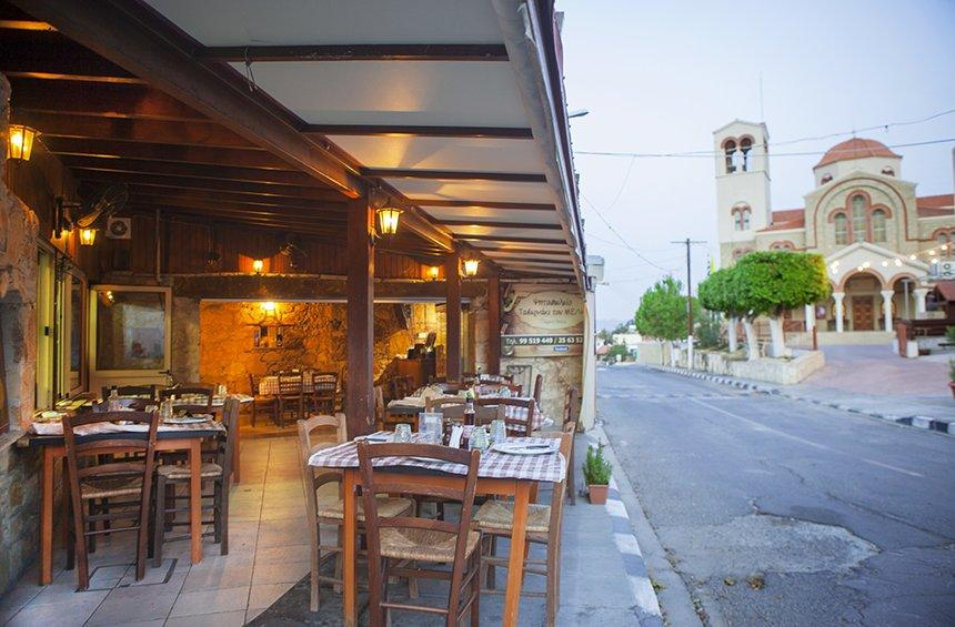 Melis' tavern: From a village coffee shop, to one of Limassol's very well-known taverns!